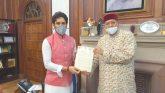 सतपाल महाराज ने जलागम विकास परियोजनाओं के लिए केन्द्रीय वित्त राज्यमंत्री को सौंपा 1000 करोड़ का प्रस्ताव
