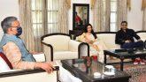 फिल्म अभिनेत्री भाग्यश्री व उनके पति हिमालय दासानी ने की सीएम से भेंट